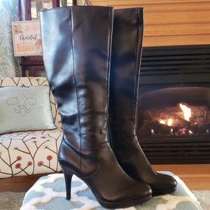 Tall black heeled boots size 8